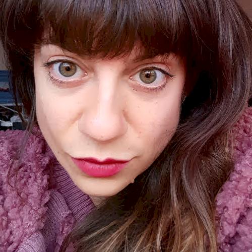 Mara - Melbourne: I'm Mara and I'm a visual communication de...