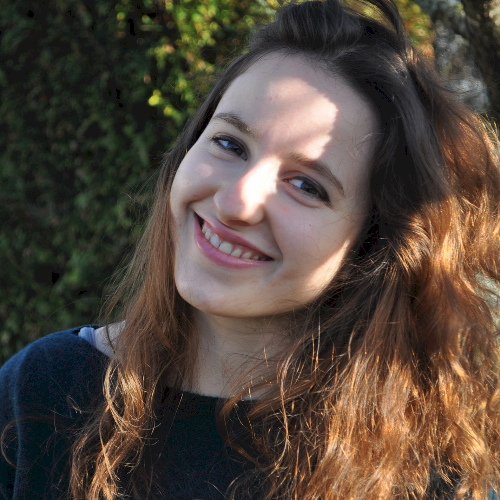 Margot - Sydney: Hi! I'm Margot. I grew up in Paris -  I'm 24 ...