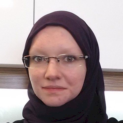 Marielena - Abu Dhabi: I am a mom of two currently living in a...