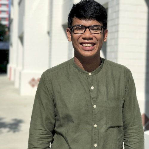 Md - Singapore: Hi, I'm Md, 22-year-old, Singaporean. A2 for M...