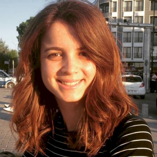 Merve nur - Perth: Hi! My name is Merve. I am a native Turkish...