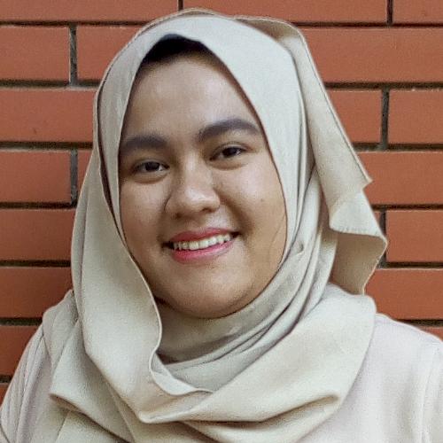Nabila - Jakarta: I  graduated from French Literature at the F...