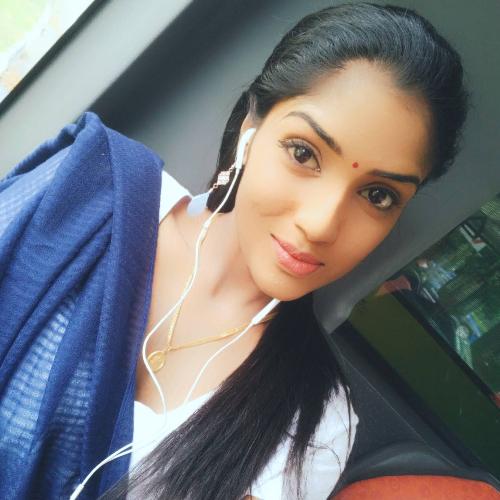 Nisha - Singapore: Hello, I'm Nisha! I'm a Nursing graduate an...