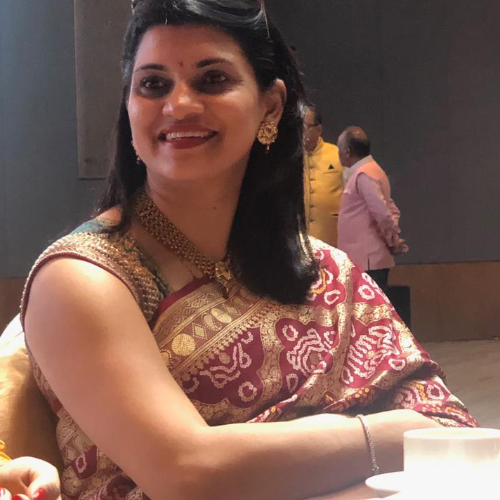 Nisha - Singapore: I am a mother of two and enjoy teaching peo...