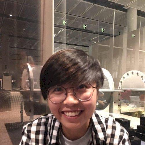Po - Singapore: I'm Po, a Vietnamese tutor. I've been living i...