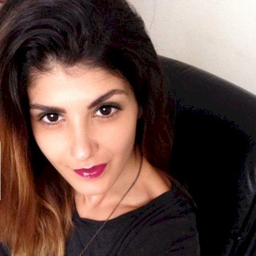 Roxana - Brisbane: Hi! I'm Roxana, a bilingual girl born and r...
