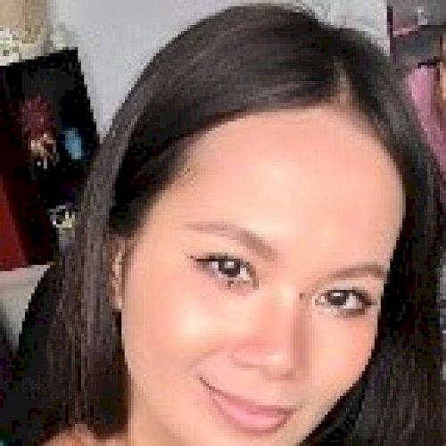 Royani Freija - Abu Dhabi: I am Royani Freija, a Singaporean. ...