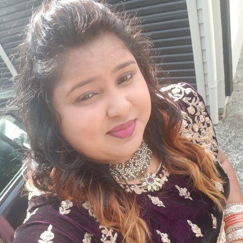 Salma - Auckland: Hi! My name is Salma from Fiji. I speak two ...