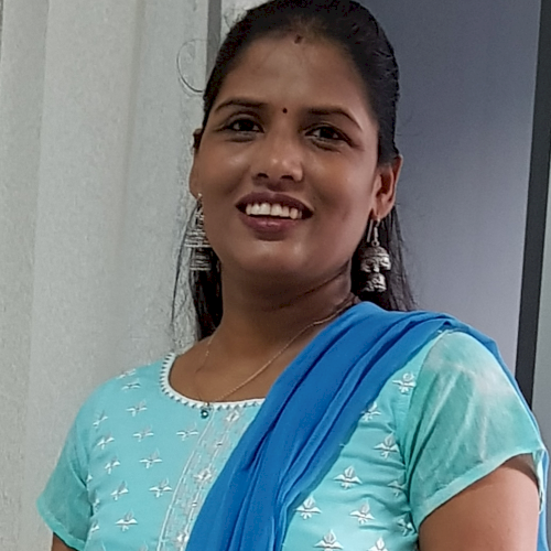 Samita - Singapore: Hi, I'm Samita from India! Currently teach...