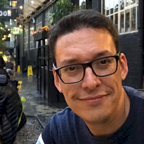 Sergi - London: I am a passionate psychology teacher who is fu...