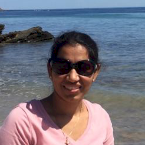 Sonika - Adelaide: I am teacher of Hindi, maths and science. O...