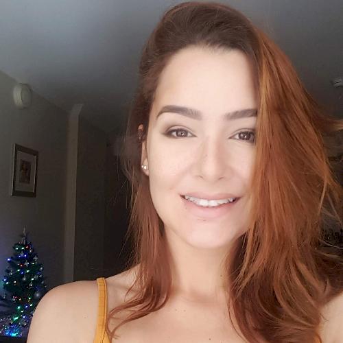 Suéllen - Portuguese Teacher in Perth: Hey, mates! I am Brazi...