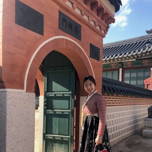 Sunny - Hong Kong: I teach Korean in english. Also I teach eng...