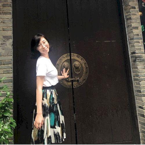 Chloe - Chinese / Mandarin Teacher in Hong Kong: Hi, I'm Chloe...