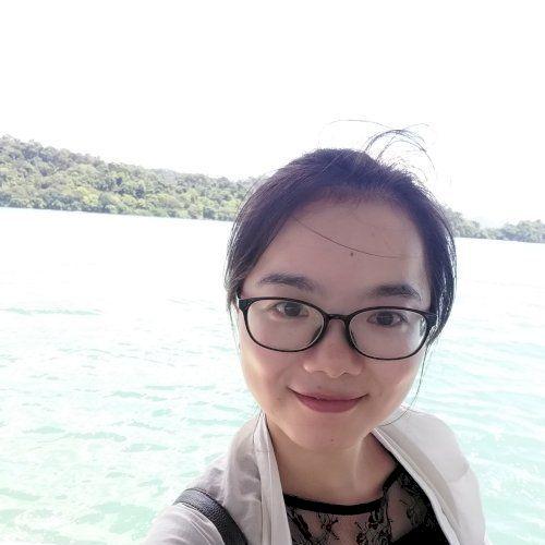 Felicia - Chinese / Mandarin Teacher in Singapore: Hi everyone...