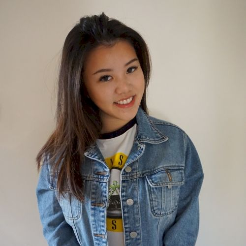 Lily - English Teacher in Hong Kong: Hello, my name is Lily, I...