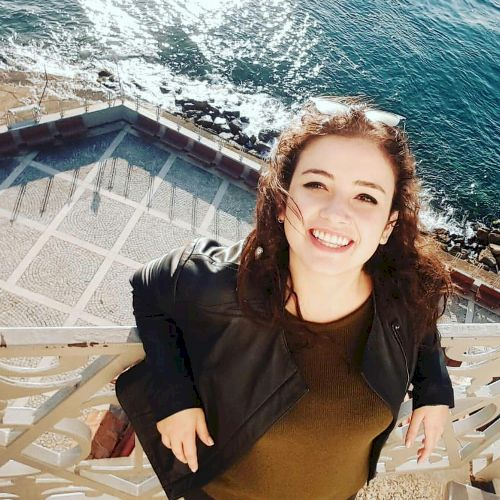 Gizem - English Teacher in Sydney: Hi there! I am Gizem. I am ...