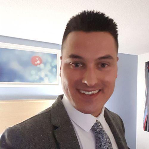Thomas - English Teacher in Sydney: Hello, I'm Thomas from Lon...