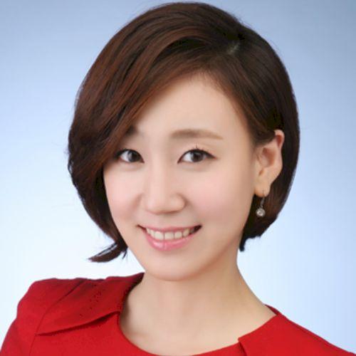 Shinny - Korean Teacher in Singapore: Hello, this is Shinny lo...