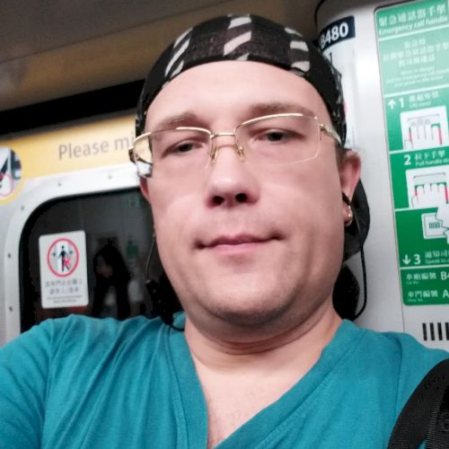 Andrey - Russian Teacher in Hong Kong: Hello! I am Andrey and ...