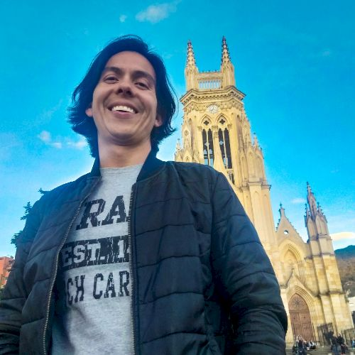 Andres - Spanish Teacher in Brisbane: I'm Colombian, I'm curre...