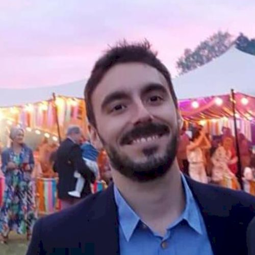 Juan - Spanish Teacher in Singapore: Hola amigos! I am from th...