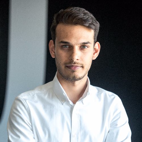 Talha - Paris: A young graduate with experience in Business De...