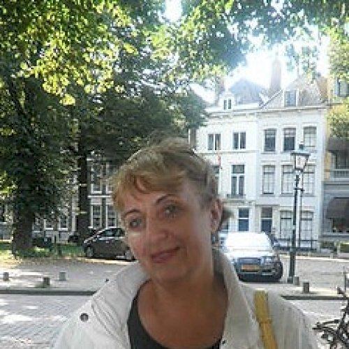 Tetiana - Tel Aviv: PhD in English Philology. Native in Russia...