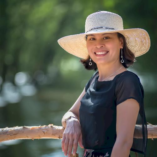 Van - Perth: I am a Vietnamese native speaker, living in Perth...