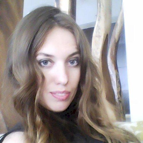 Viktoriia - Russian Teacher in Dubai: Hi there! I am Viktoriia...