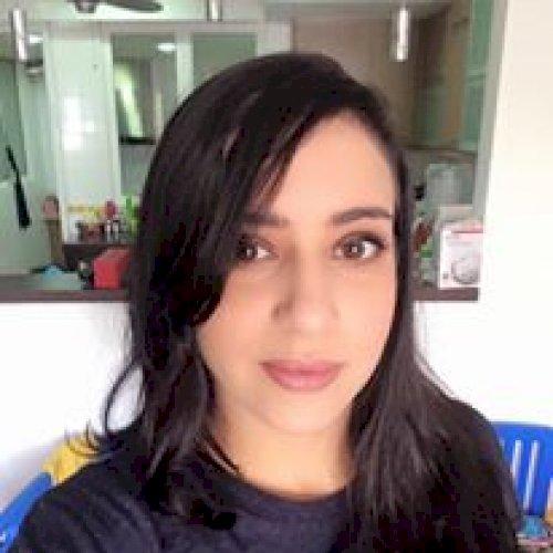 Wided - Jakarta: Hello! I am Wided from Tunisia. I am a native...