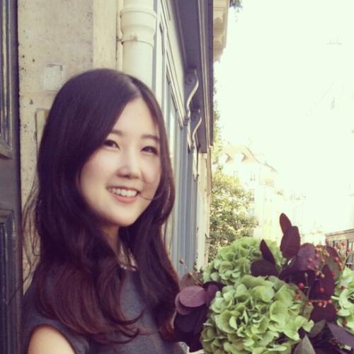 Yuri - Paris: I'm from Japan. And I speak Japanese, Korean, En...