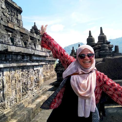 Zulaikha - Kuala Lumpur: I am very approachable, friendly and ...