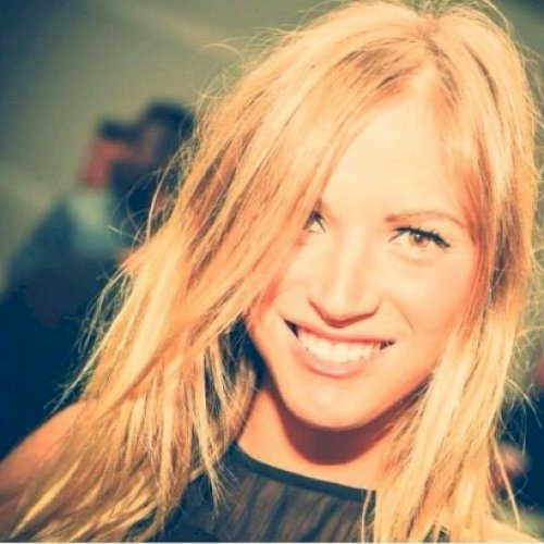 Elisa - Sydney: Hi there! I am Elisa, born and raise in Italy....