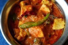 Cooking North Indian vegetarian Gravies
