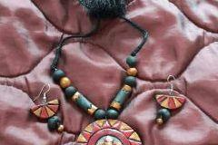 Earthen jewelry making classes