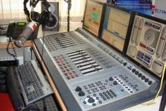 Radio jockeying