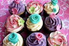 Eggless Muffins & Cupcakes With Icing