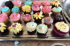 FANCY CUPCAKES - BAKING AND DECORATING