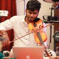 Vivek Prabhakar Violin trainer in Kochi