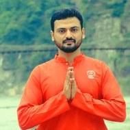 Amit Bhatt Yoga trainer in Mumbai