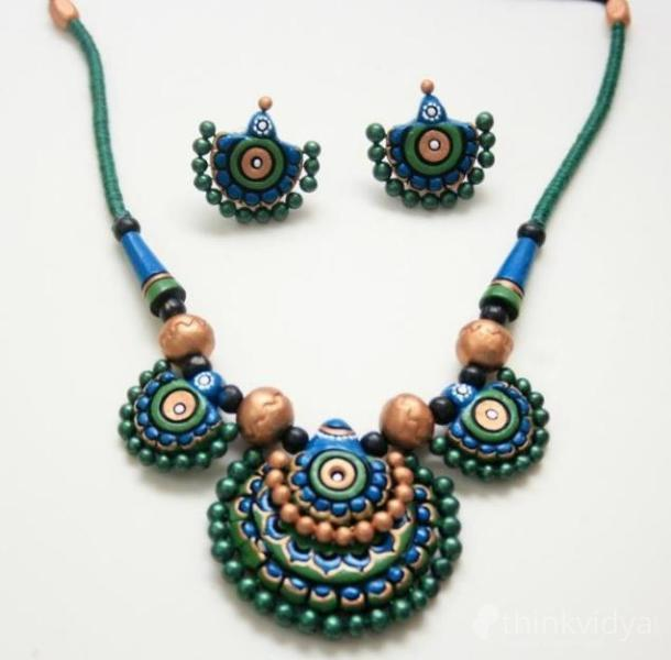 Terracotta And Quilling Jewellery Making Classes In