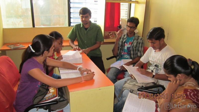Raj Academy Engineering Classes in Ambawadi, Ahmedabad