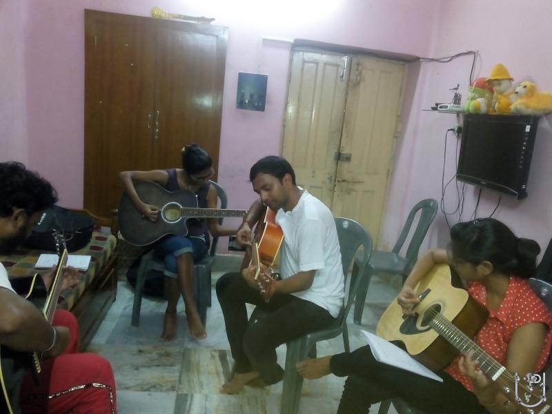 Image Result For Keyboardist In Kolkata