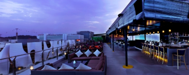 11 Unconventional Rooftop Bars in Singapore That Will Make All Your Hours Happy