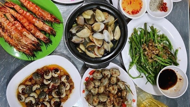 A Guide to What Locals Actually Eat in Saigon