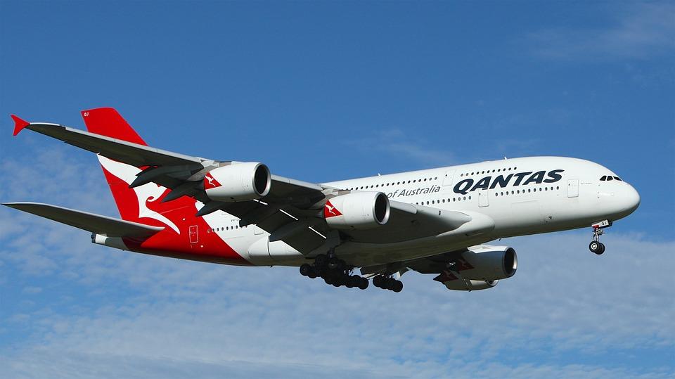 qantas ditches dubai for singapore on their sydney u2013london
