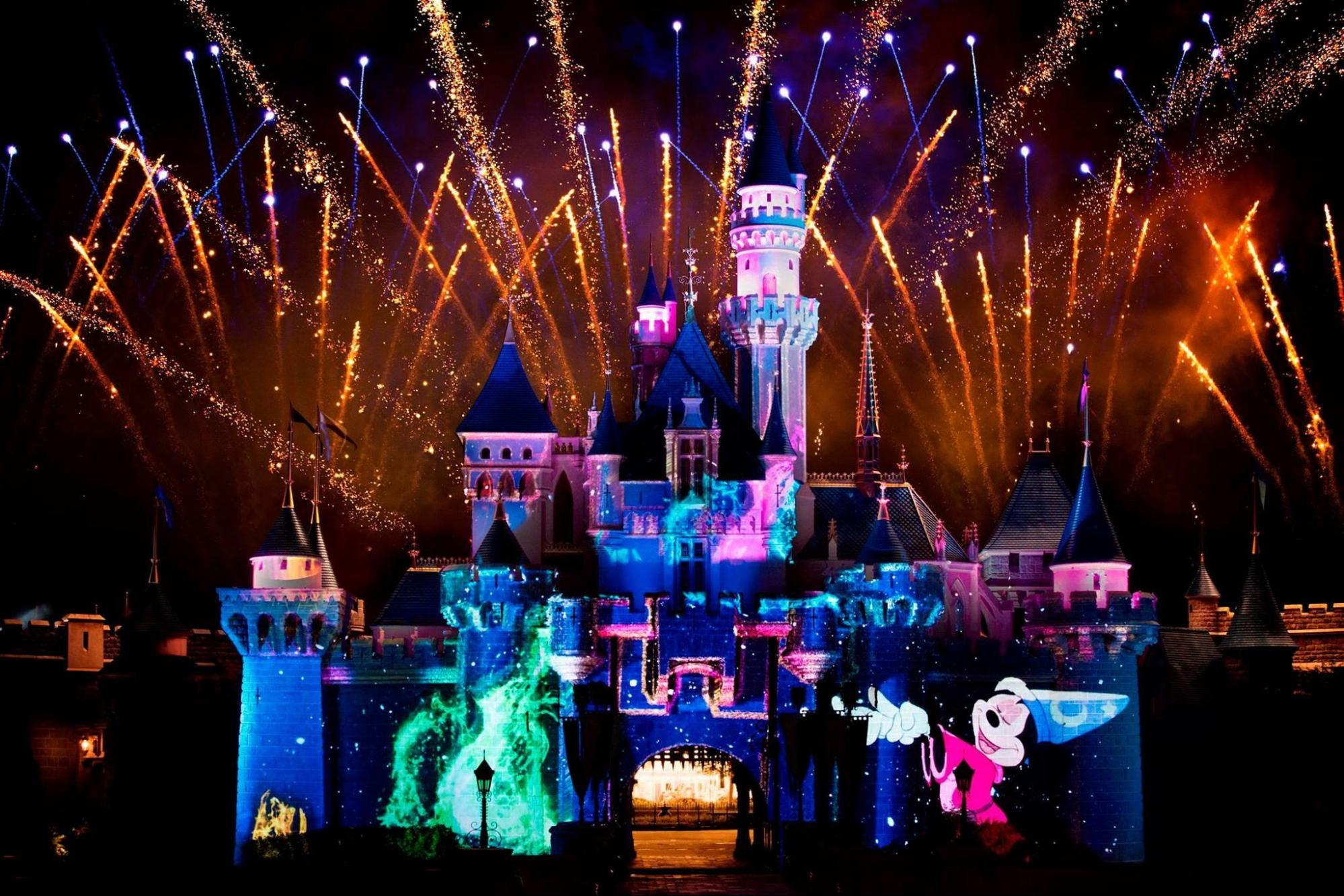 Christmas In Disneyland Hong Kong.8 Reasons Why Hong Kong Disneyland Is The Perfect Place To