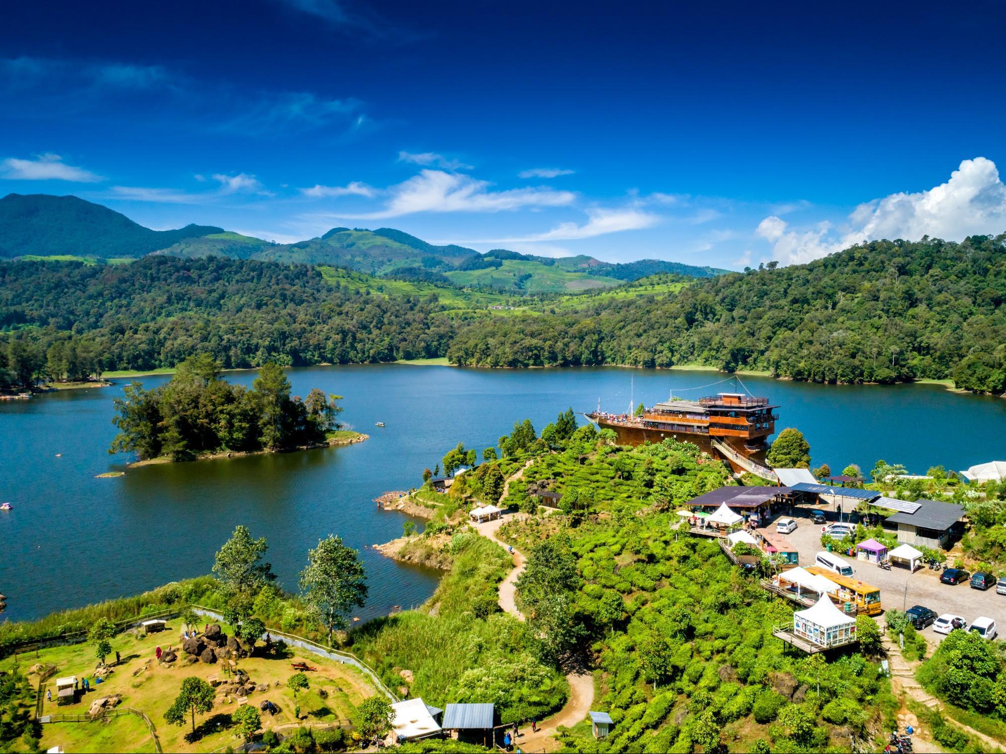 Bandung-Indonesia hồ nước thơ mộng