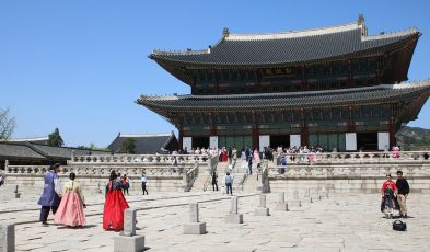 Add Gyeongbokgung Palace in your 4 days Korea itinerary